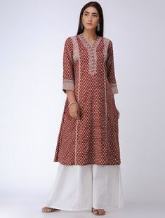 Red Bagh Printed Paneled Cotton Kurta Printed Kurti Designs, Churidar Designs, Kurta Designs Women, Punjabi Dress, Sari Dress, Pakistani Dresses, Indian Dresses, Dress Skirt, Neck Designs For Suits