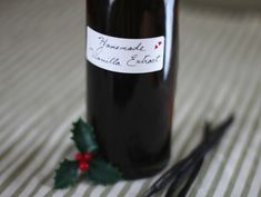 Homemade Vanilla Extract Recipe! How to Make Vanilla Extract at Home -- the perfect DIY project and gift for the baker in your life. Gluten Free, Vegan.