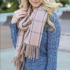 39 Fashionable Fall Outfits Ideas You Should Fashionable Fall Outfits Ideas You Should pretty winter outfits you can wear with repeats - Hi Giggle! beautiful winter pretty winter outfits you can Winter Outfits For Teen Girls, Fall Outfits 2018, Cute Fall Outfits, Casual Winter Outfits, Winter Fashion Outfits, Mode Outfits, Casual Fall, Look Fashion, Autumn Winter Fashion