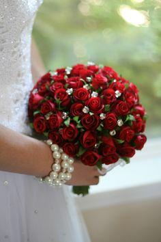 Stunning silk bouquet of 72 Red Rosebuds plus diamond rhinestone bouquet jewels. Bride Flowers, Bride Bouquets, Floral Bouquets, Wedding Flowers, Vintage Bridal Bouquet, Red Bouquet Wedding, Rose Bouquet, Boquet, Apple Red Wedding