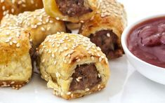 Pork & Fennel Sausage Rolls with Sugar Free Tomato Sauce Savory Snacks, Snack Recipes, Cooking Recipes, Sausage Recipes, Tea Recipes, Cooking Time, Baguette Relleno, Homemade Sausage Rolls, Dressings