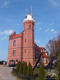 Ustka. Latarnia morska z 1892 roku. Stan 11 kwietnia 2015 roku.