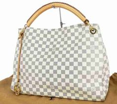 #Louis #Vuitton #Discount $227.99!!!!! You get me this and I'd love you forever!!