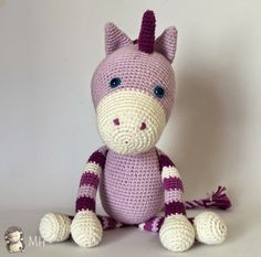 Unicornio Amigurumi, Patrón Gratis en Español aquí: http://www.artedetei.com/2015/04/unicornio-amigurumi-patron-gratis.html