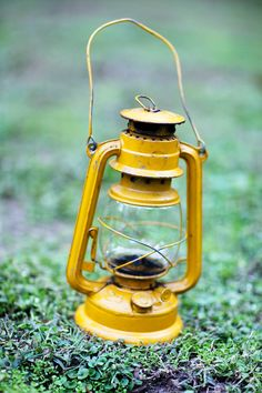 love old rr lanterns, especially in great colors like this yellow one - Southern Vintage rentals