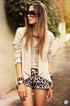 Animal print e blazer nude