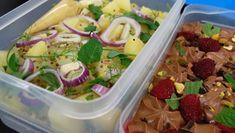Foto: Fra TV-serien Hygge i Strömsö / YLE Bratwurst, Frisk, Pasta Salad, Tacos, Mexican, Hygge, Baking, Ethnic Recipes, Desserts