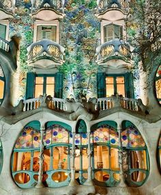 Any plans for holidays? Find out the hot spots in Barcelona in #FebruaryVogue./ 10 причин отправиться в столицу Каталонии вы найдете в февральском Vogue.  via VOGUE RUSSIA MAGAZINE OFFICIAL INSTAGRAM - Fashion Campaigns  Haute Couture  Advertising  Editorial Photography  Magazine Cover Designs  Supermodels  Runway Models