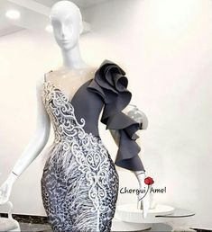 Best 12 How sexy is this? - Source by kokoe_l dresses elegant African Lace Styles, African Lace Dresses, Latest African Fashion Dresses, Couture Dresses, Bridal Dresses, Prom Dresses, Dinner Gowns, Evening Dresses, Elegant Dresses