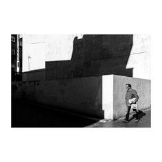 Apuntes (II) @lacalleesnuestracolectivo  #lacalleesnuestracolectivo #majadahonda #madrid #spain #blackandwhite #blancoynegro #streetstyle #streetphotography #shadowhunters #picoftheday #photooftheday #igersmadrid #canon6d #35mm
