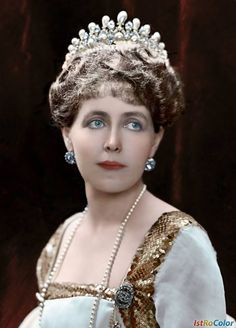 """antique-royals: """"Queen Maria of Romania """" Michael I Of Romania, Romanian Royal Family, Central And Eastern Europe, Colorized Photos, Photographs Of People, Royal Jewelry, Royal House, Kaiser, Prince Harry And Meghan"""