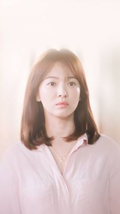 "Song Hye Kyo - ""Descendants of the Sun"" Song Hye Kyo Hair, Song Hye Kyo Style, Song Joong Ki, Korean Actresses, Korean Actors, Korean Beauty, Asian Beauty, Medium Hair Styles, Short Hair Styles"