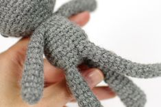 This small cat pattern is a great one to try if you are new to toy making - it's not difficult to crochet and doesn't take too long, but does include a few different techniques, so you can learn all the basics of amigurumi making. Single Crochet Stitch, Double Crochet, Cat Pattern, Free Pattern, Free Crochet, Knit Crochet, Magic Ring Crochet, Yarn Tail, Crochet Hook Sizes
