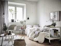 One room apartment / studio in a cosy Swedish home in neutrals. 55Kvadrat / Anders Bergstedt / Emma Fischer.