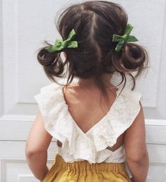 The Effective Pictures We Offer You About baby girl hairstyles petite fille A quality picture can te Little Girl Fashion, Toddler Fashion, Kids Fashion, Fashion Clothes, Fashion Fashion, Little Girl Outfits, Outfits Niños, Cute Kids Outfits, Toddler Hair