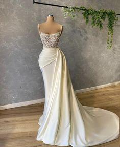 Glam Dresses, Pretty Dresses, Bridal Dresses, Beautiful Dresses, School Looks, Formal Evening Dresses, Evening Gowns, Glamorous Evening Dresses, Elegant Gowns