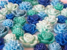 Resin Cabochons Flat Back Resin Roses & Mums