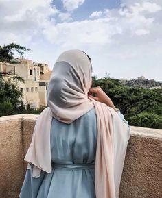 Girl Back Photo, Cute Girl Photo, Stylish Hijab, Casual Hijab Outfit, Abaya Mode, Mode Hijab, Arab Fashion, Muslim Fashion, Niqab