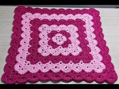 Veja como fazer seu próprio tapete de crochê quadrado e confira inspirações cheias de charme para incluí-lo na decoração da sua casa! Free Crochet Doily Patterns, Crochet Quilt, Crochet Squares, Crochet Doilies, Knit Rug, Crochet Bedspread, Square Patterns, Crochet Videos, Crochet Projects