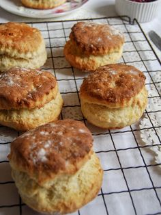 Would you love to make light, fluffy, tall scones? Look no further – Paul Hollywood's best fluffy scone recipe is the one! It's that time of year again folks…the new series of The Great British Bake off starts tomorrow night on I can't … Scones Recipe Uk, Perfect Scones Recipe, Buttermilk Scone Recipe, Best Scone Recipe, Biscuit Recipe, Buttermilk Biscuits, Uk Recipes, Sweet Recipes, Baking Recipes
