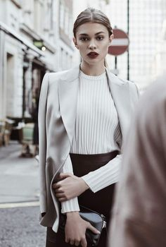 8894f0568234 Three Ways To Wear The Satin Blazer - Reiss Editorial Blazer Suit