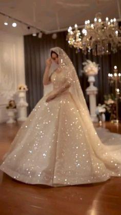 Indian Wedding Gowns, Fancy Wedding Dresses, Affordable Wedding Dresses, Princess Wedding Dresses, Bridal Dresses, Ball Gowns Fantasy, Hijabi Wedding, Ball Dresses, Beautiful Dresses
