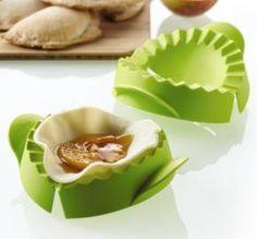 Tupperware | Pie Press/Empanada Makers