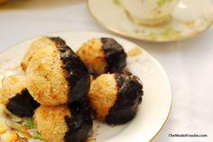 Salty Dark Chocolate Coconut Macaroons: themodelfoodie