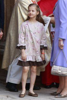 La princesa Leonor de Borbón Ortiz, sucede a su madre como Princesa de Asturias.