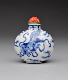 A Fine Blue and White Porcelain Snuff Bottle