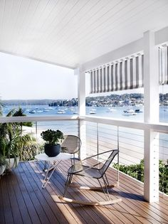Love this beach house deck. Cronulla Residence by Amber Road Waterfront Cottage, Waterfront Homes, Modern Coastal, Coastal Living, Beach House Deck, Beach Porch, House With Balcony, Outdoor Spaces, Outdoor Living