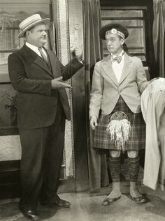 Stan Laurel Oliver Hardy, Laurel And Hardy, Jessica Mendoza, Funniest Pictures Ever, Sound Film, Great Comedies, Rain Cape, Abbott And Costello, The Three Stooges