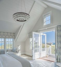 Elegant White Beach House Ideas 036