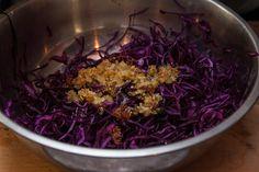 Грузинский салат из красной капусты - пошаговый рецепт с фото: Краснокочанная капуста имеет не только привлекательный внешний вид, но и приносит пользу – в ее составе... - Леди Mail.Ru