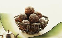 Low-Carb Chocolate Rum Balls: Sugar-Free Low-Carb Easy Chocolate Rum Balls