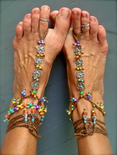 Reserved for Elysia. RAINBOW Flower BAREFOOT SANDALS di GPyoga