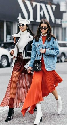 London Fashion Week Street Style Spring See All the Best Looks Fashion Blogger Style, Fashion Mode, Fast Fashion, New York Fashion, Look Fashion, Winter Fashion, Fashion Design, Fashion Trends, Workwear Fashion