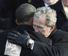 21 Reasons Why Barack Obama Is Just Like George Bush First Black President, Our President, Barack Obama Pictures, Just For Laughs, Just For You, Obama Funny, Presidente Obama, Barack And Michelle, American Presidents