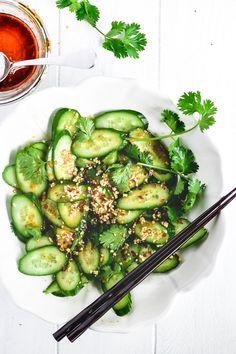Cucumber Salad Dressing, Japanese Cucumber Salad, Beet Salad, Salad Dressing Recipes, Pickled Cucumber Salad, Cucumber Appetizers, Cucumber Recipes, Sushi Recipes, Dinner Recipes