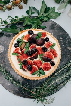 Naked cake with fruit | Amy Lewin Photography | see more on: http://burnettsboards.com/2015/01/botanical-beauty-greenhouse-wedding-editorial/