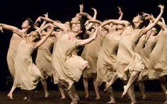 Una prima tra risse e innovazioni: la Sagra della Primavera di Stravinskij La Primavera è arrivata! Quale modo migliore per esprimere il risveglio dei sensi se non con la famosa opera di Igor Stravinsky, la Sagra della Primavera?  In questi nostri tempi c'è ancora chi par #musica #classica #primavera #danza