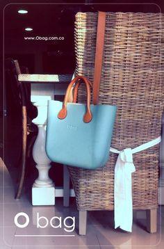 """noi amiamo il bello... simplemente """"O bag"""" - Visita nuestras tiendas en Colombia www.Obag.com.co Fashion Bags, Fashion Shoes, Gentile, Bago, Longchamp, Clock, Italy, Sun, Handbags"""