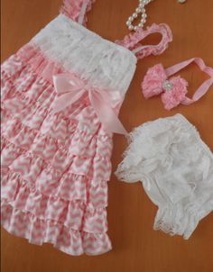 Vintage pink dress with matching accessories