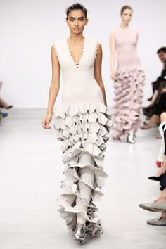 This white ruffled gown... by Azzedine Alaia (Fall Couture 2011)