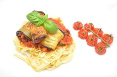 Pasta and aubergine rolls with spicy tomato sauce
