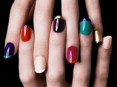 6 of the Best Nail Polish Combinations for Next Spring Read full article---> http://womenkingdom.com/6-of-the-best-nail-polish-combinations-for-next-spring