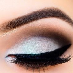 Silver/lilac and brown shadow