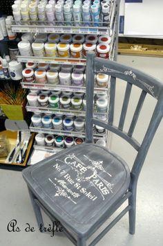 rayher, peinture à effet, peinture effet craquelé, peinture effet craie, béton créatif, déco cocooning, pochoir, chalky finish rayher, déco bistrot, annabel, as de trèfle