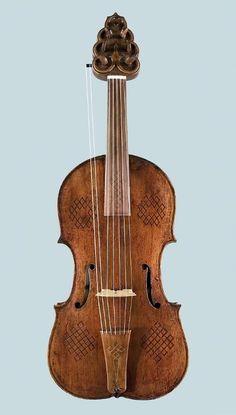 Lira da braccio - 1563. Francesco Linarol | Venice, Italy | National Music Museum, University of South Dakota USA