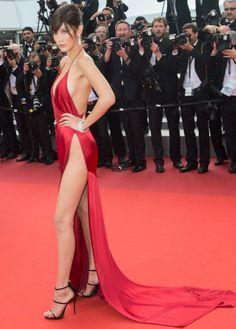 Ünlülerin Çıplak Kırmızı Halı Elbiseleri   FILMstilMODA